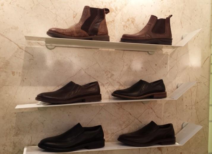 קולקצית נעלי הגברים של טבע נאות - קו אקזקוטיב
