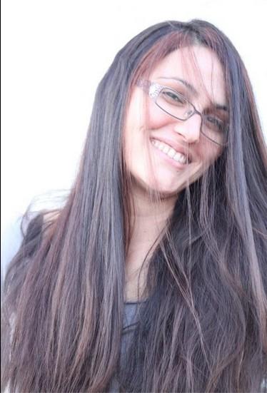 "Good Hair Day - על היום שבו נפרדתי מ-30 ס""מ משערי לטובת חולי סרטן במספרת אמיר אליהו."