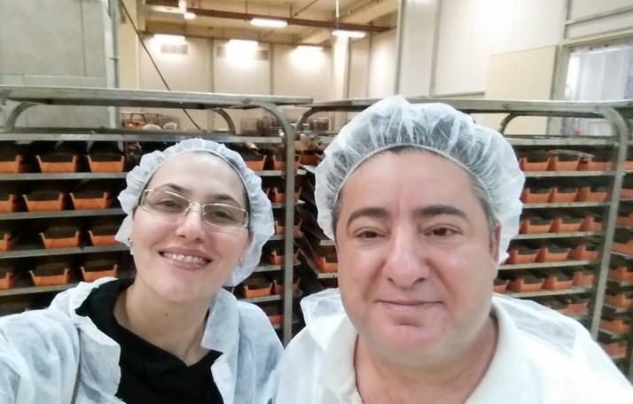 סיור במפעל החלוה ובמפעל העוגות של אחוה