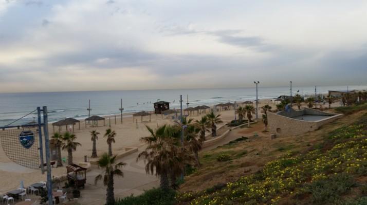 קלדרון על ים תיכון - יון על חוף הים