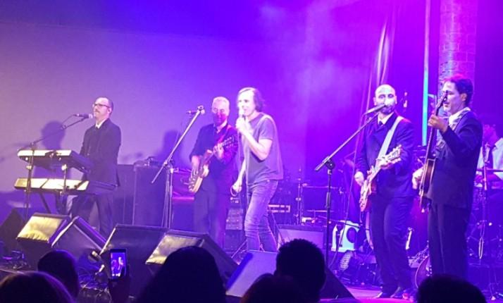 """על המופע """"ביטלמניה"""" של להקת ה""""מיסטרי מג'יקל טור"""" BEATLEMANIA by MAGICAL MYSTERY TOUR"""