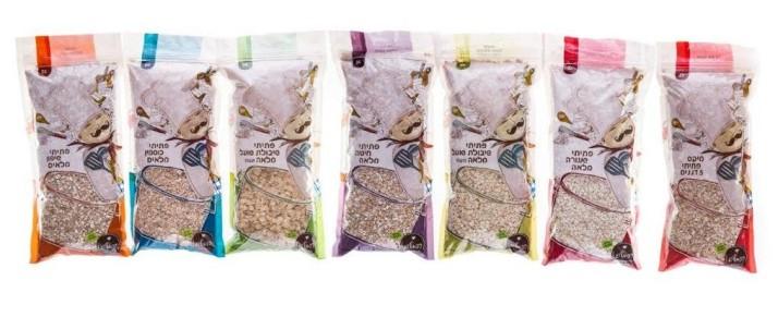 סדרת פתיתי דגנים של רפאל'ס כוללת פתיתי כוסמין מלאים, חיטה מלאה, שעורה מלאה, שיפון מלאים, שיבולת שועל מלאה
