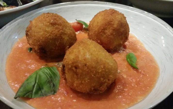 מסעדת בורוכוב 88 רעננה - ארנצ'יני