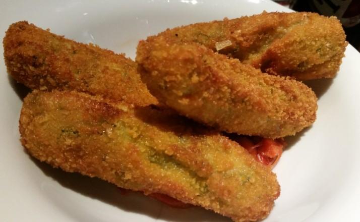 מסעדת בורוכוב 88 רעננה - מקלות גבינה