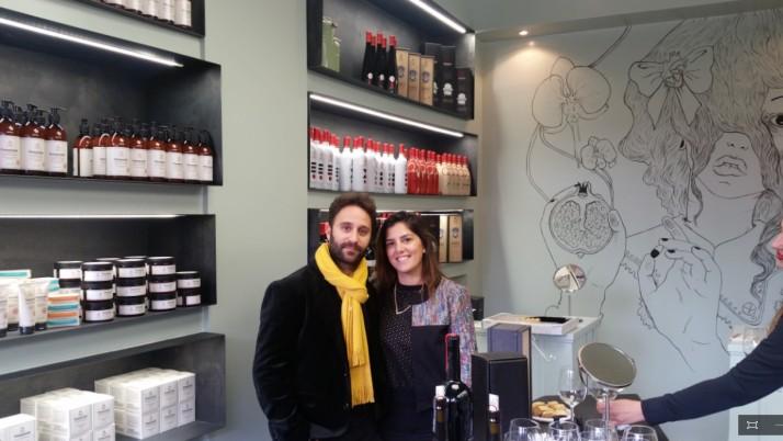 חנות קונספט חדשה למותג הטיפוח Pomegranate בשוק הפשפשים
