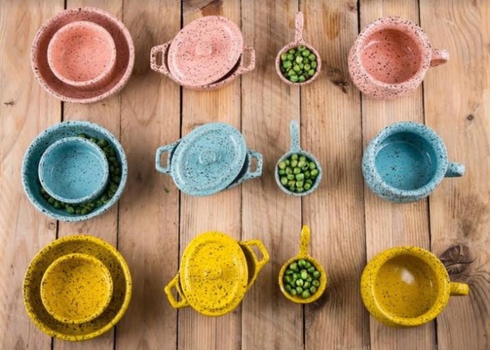מְנֻקֶדֶת -סדרת כלי הגשה ובישול חדשה מבית נעמן בעיצוב חורפי