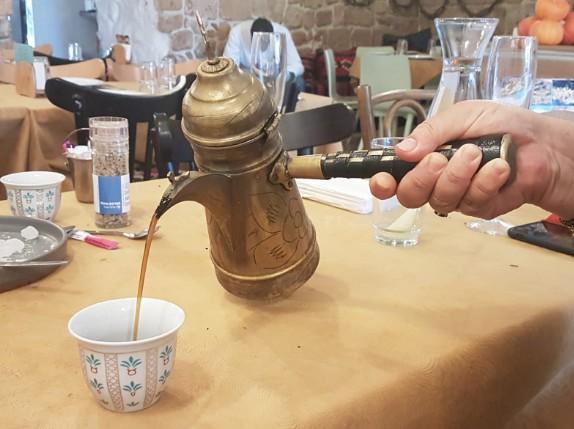 קפה עם הל