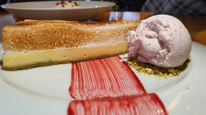 טארט לימון מסעדת טיביס של שף חיים טיבי בחוות ורד הגליל