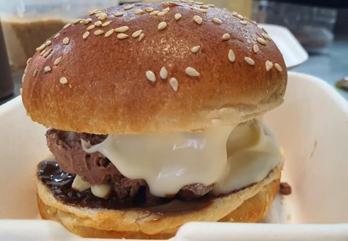 המבורגר גלידה גלידיום הדרלינג hadarling