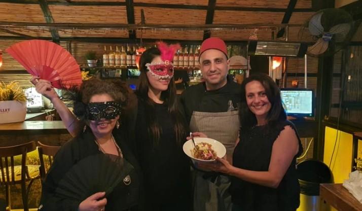 פר דרייר הצרפתייה התחפשה למרוקאית. או: ארוחה אחרונה טרום עידן הקורונה